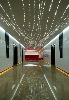 vjeranski: hall d'ascenseur ( LED hallway / post modern decore / lighting ideas )