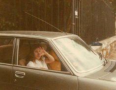 Stevie ~ ღ☆❤☆ღ ~ in a car in France during the making of Fleetwood Mac's 1982 'Mirage' album Buckingham Nicks, Lindsey Buckingham, Stephanie Lynn, Stevie Nicks Fleetwood Mac, Kings Of Leon, Stevie Ray Vaughan, Nikki Sixx, Travel Humor, Celebrity Travel