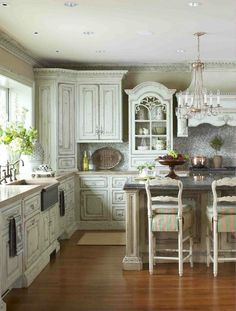 love the worn look of the shabby chic kitchen cabinets, and the matching coving! love the worn look of the shabby chic kitchen cabinets, and the matching coving! Shabby Chic Kitchen Cabinets, Shabby Chic Kitchen Decor, Farmhouse Kitchen Decor, Shabby Chic Furniture, Country Kitchen, Vintage Furniture, Whimsical Kitchen, Farmhouse Style, Furniture Ideas