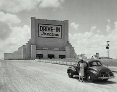 11 Gorgeous Vintage Photographs Of Drive-Ins