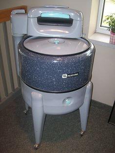 Maytag Washing Machine - photo by Warners' Stellian