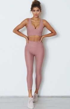 pin spasterfield Visit for more womens active wear outfits summer athletic fashion spring sports style inspo cheap workout clothes sale affordable yoga clothing for wom. Legging Outfits, Leggings Outfit Fall, Yoga Outfits, Sport Outfits, Cute Workout Outfits, Womens Workout Outfits, Athletic Fashion, Athletic Outfits, Athletic Clothes