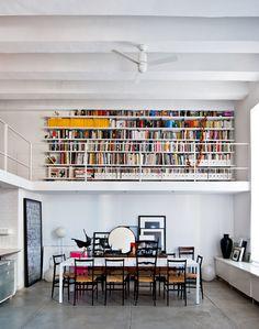 Un loft où les livres font la déco - Frenchy Fancy - Frenchy Fancy Interior Design Inspiration, Home Interior Design, Design Ideas, Relaxation Room, Urban Loft, Home Libraries, Interior Exterior, My Dream Home, Fancy
