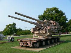 12.8 cm FlaK 40 heavy anti-aircraft gun в музее Абердинского полигона.