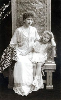 """antique-royals: """"Queen Marie of Romania and her daughter Mignon """" Royal Queen, Queen Mary, Old Pictures, Old Photos, Vintage Photographs, Vintage Photos, Michael I Of Romania, Romanian Royal Family, Casa Real"""