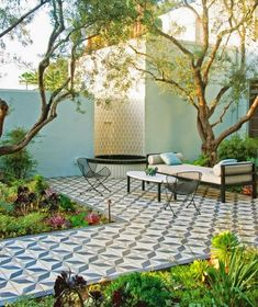 When you choose a suitable landscape design, your backyard can also offer other outdoor living rooms to devote decent time with family members and friends. The backyard is really a good area for landscaping to draw attention to the back of your house. Outdoor Rooms, Outdoor Gardens, Outdoor Living, Outdoor Decor, Outdoor Retreat, Outdoor Kitchens, Outdoor Lounge, Gazebos, Patio Tiles