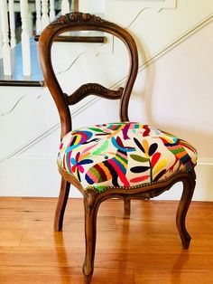 Leather Chair With Ottoman Info: 2467708712 Upholstered Swivel Chairs, Chair Upholstery, Eames Chairs, Cool Chairs, Side Chairs, Beach Chairs, Painted Chairs, Painted Furniture, Chaise Louis Philippe