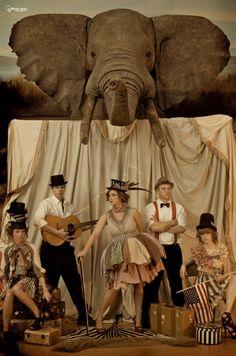 Vinatge Inspired Circus Photos by Chad Hughes (Lightbulb Design) Circus Art, Circus Clown, Circus Theme, Vintage Carnival, Vintage Circus, Elephant Costumes, Circus Fashion, Pierrot Clown, Water For Elephants