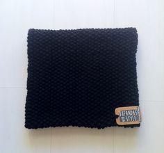 Cuello de dos vueltas negro, un clásico de Bufandas With Style