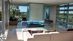 Las grandes cristaleras son el plus en estilo de la propiedad.