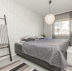 Ihanaa tiistai-iltaa  Koti on menossa myyntiin ja saatiin kuvat katsottavaksi. Tässä sitä taas mennään kohti tuntematonta. #myhome #makuuhuone #bedroom #bedroomdecor #home #homedecor #homeinterior #interior #instahome #inredning #instahome #inspiration #scandinavianhome #nordichome #etuovisisustus #oikotiesisustus #koti