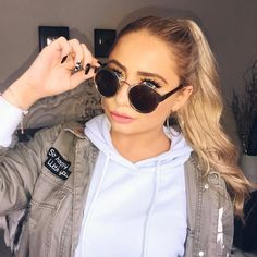 Saffron Barker, Round Sunglasses, Winter Outfits, Celebrities, Youtubers, Hair, Amazing, Life, Instagram