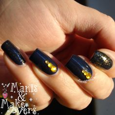 Manis & Makeovers: NYC Top of the Gold & A suitcase and a Donut http://manisandmakeovers.blogspot.com/2013/12/nyc-top-of-gold-suitcase-and-donut.html