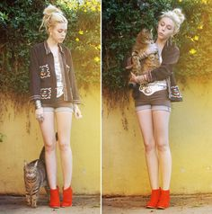 Huxley, The King of All Cats (by Madeline Pendleton) http://lookbook.nu/look/3077473-Jfr-Cuff-Vintage-Shirt-Shorts-Belt-Asos-Tank
