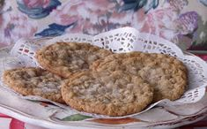 """Claims to be the """"best"""" oatmeal cookies. Just Desserts, Delicious Desserts, Yummy Treats, Sweet Treats, Best Oatmeal Cookies, How Sweet Eats, Desert Recipes, Cookie Recipes, Bakery"""