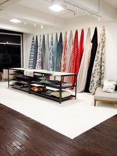 ish and chi: Shop Visit: Mokum Textiles- interior design, decorating and style ideas - good idea fpr displaying fabrics Interior Design Blogs, Design Display, Store Design, Design Shop, Fabric Display, Fabric Storage, Hanging Fabric, Fabric Boxes, Sewing Rooms