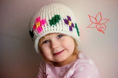 MNE Crafts: Graph Hat Photo Tutorial - finally a tutorial on how to do these fab crochet graphs