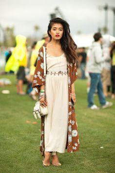 in serious need of a chiffon robe/kimono.
