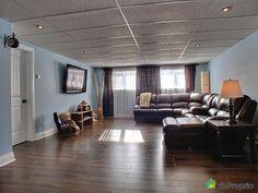 fenetre sous-sol décoration - Recherche Google Movie Theater Decor, Home Movies, Recherche Google, Conference Room, Basements, Foyer, Table, Images, France