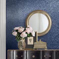 An exquisite textured sparkle bling glitter wallpaper in midnight blue from the Muriva Oriah Wallpaper Collection. Available at Go Wallpaper UK. Rose Gold Glitter Wallpaper, Glitter Paint, White Glitter, Designer Wallpaper Brands, Wallpaper Uk, Feather Wallpaper, Stunning Wallpapers, Contemporary Wallpaper, Fairmont Park