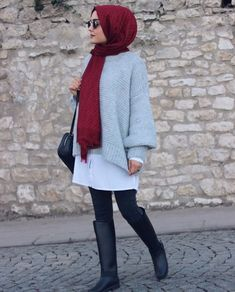 styles of Hijab Chic for a winter 2019 in style - Hijab Fashion and Chic Style Hijab Chic, Casual Hijab Outfit, Casual Outfits, Hijab Styles, Muslim Fashion, Modest Fashion, Chiffon Hijab, Unique Fashion, Hijab Mode