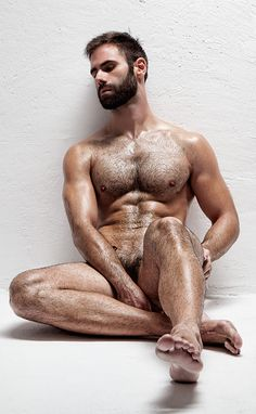 Follow The Bear Underground Over 31,000 pics/vids of the hottest hairy men around the globe