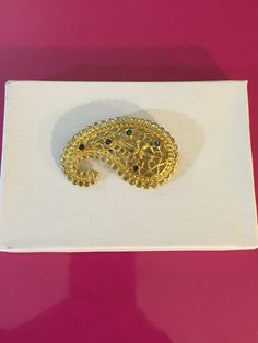 Gold Tone Paisley Brooch