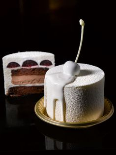 Antoinette - Forêt Blanc - Cocoa genoise, kirsh, dark cherry, chocolate ganache, light kirsh mousse