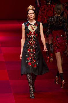 Dolce & Gabbana at Milan Spring 2015