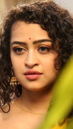 Most Beautiful Faces, Beautiful Lips, Beautiful Women Pictures, Beautiful Asian Women, Beautiful Girl Makeup, Cute Beauty, Beauty Full Girl, Beautiful Bollywood Actress, Most Beautiful Indian Actress
