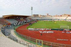 Estadio Armando Picchi, de la ciudad de Livorno, abierto en 1935, con capacidad para 19.400 personas, propiedad de la ciudad y casa del AS Livorno Calcio