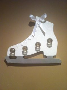 Figure Skating Medal Holder by MyWallHangUps on Etsy Trophy Display, Award Display, Display Medals, Medal Displays, Figure Skating Quotes, Figure Skating Dresses, Medal Holders, Hockey, Skate Girl