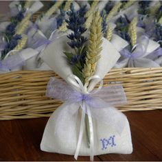 Blog su graphic design e creatività handmade Lavender Bags, Burlap, Reusable Tote Bags, Gift Wrapping, Gifts, Graphic Design, Decoration, Blog, Groomsmen