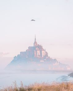 Trip report, travel tips and photography tips for Mont Saint Michel in Normandy, France. Everything you need to know about this iconic medieval abbey on a tiny island that looks like a castle! Photography Tips, Travel Photography, Tourism Website, Normandy France, Visit France, Mont Saint Michel, Before Sunset, Free Travel, Great View
