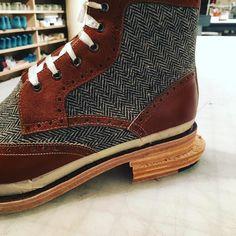 Heel building #brooklyn #shoemaking #newyork #nyc #williamsburg #shoemakingworkshop #shoes #shoemakingschool #williamsburgbrooklyn #leather #fashion #handmade #newyorkcity #shoelove #behindthescenes #handmadeshoes #cobbler #shoedesign #style #studiolife #shoeaddict #cordwainer #cool #ny #brooklynmade #madeinbrooklyn #madeinnewyork