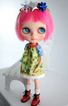 her bangs!!   Blythe Dolls