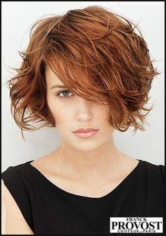 Unstrukturierter, femininer Kurz-Bob / Frauen | Frisuren ... | Einfache Frisuren