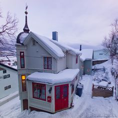 House in Tromsø, Norway.  Another little cottage I could retire to.  I don't know about all that snow shoveling for Bethany.