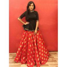 Youdesign Cotton Silk Crop top lehenga In Red Colour Size Upto 66 Banarasi Lehenga, Blouse Lehenga, Lehenga Indien, Lehnga Dress, Indian Lehenga, Patiala, Anarkali, Lehenga And Crop Top, Cotton Lehenga