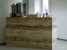 Eine #Getränketheke aus #Bauholz, individuell und in Handarbeit von uns gefertigt.