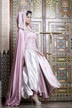 Algerian fashion: Pink karakou and bernoose