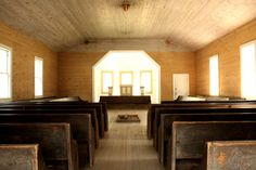 Church in Cades Cove. Country Life, Country Roads, Places Ive Been, Places To Go, Missionary Baptist Church, Tennessee Vacation, Cades Cove, Appalachian Mountains, Pigeon Forge