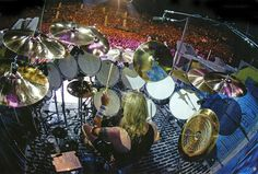 Drummerworld: Nicko McBrain
