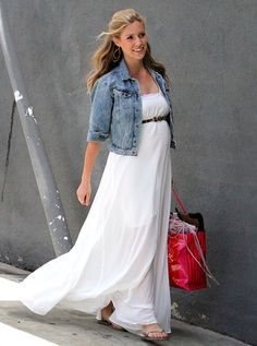 Never been a fan of hers, but that is some chic & effortless maternity wear!
