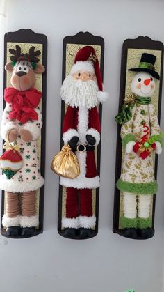 Christmas 2019 : Felt Christmas decorations on wooden frames Best Christmas Tree Decorations, Felt Decorations, Christmas Ornaments To Make, Christmas Sewing, Christmas Makes, Noel Christmas, Felt Ornaments, Beautiful Christmas, Christmas Crafts