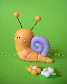polimer clay snail Polymer Clay Animals, Fimo Clay, Polymer Clay Projects, Fondant Animals, Cute Clay, Clay Figures, Clay Flowers, Sugar Art, Clay Tutorials