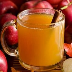 apple cider with spiced rum. I just used spiced rum with cider over ie served in a tom Collins glass. Mulled Cider Recipe, Spiced Cider, Hot Apple Cider, Spiced Rum, Apple Cider Vinegar, Apple Wine, Apple Brandy, Apple Health Benefits, Home Remedies