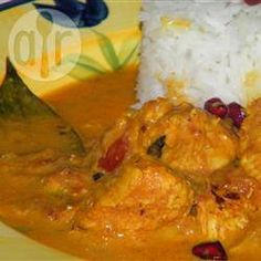 This curry recipe is from Mozambique, Africa and can be made with either chicken or prawns. Serve it with chutney for the full effect. Prawn Recipes, Fried Fish Recipes, Curry Recipes, Chicken Recipes, Spicy Recipes, Lactose Free Recipes, Gluten Free, Indian Food Recipes, Ethnic Recipes