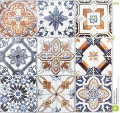 Foto acerca Las baldosas cerámicas de la pared vieja hermosa modelan artesanía del público de Tailandia - 71138497