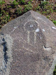 Petroglifo en cajón del valle de Chalinga Stone, Outdoor Decor, Museums, Rock, Batu, 1st Birthdays
